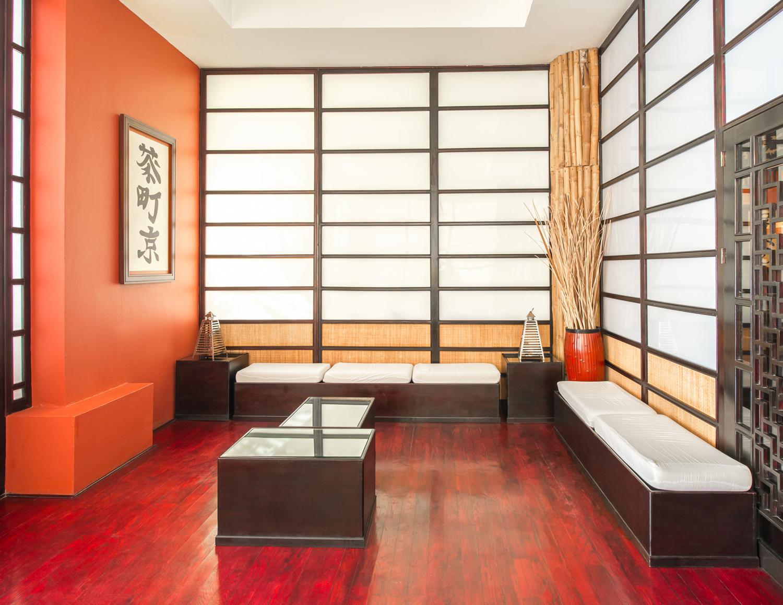 натяжные потолки в интерьере стиль азиатский