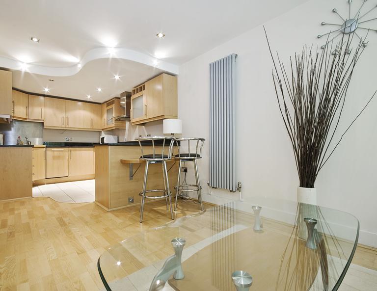 матовый многоуровневый потолок на кухне